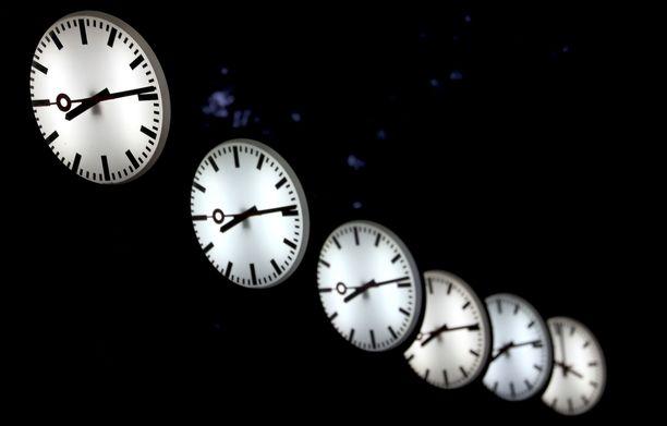 Kellojen siirtelystä ei saada päätöstä tänä vuonna.