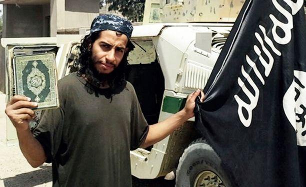 """Abdelhamid Abaaoudin epäillään olleen Pariisin verilöylyn """"aivot""""."""