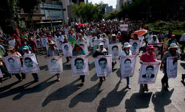 Kadonneiden opiskelijoiden tapaus poiki viime vuonna laajoja mielenosoituksia eri puolella Meksikoa.
