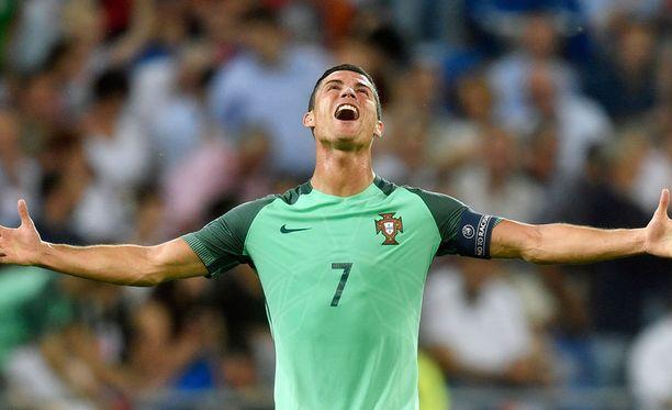 Cristiano Ronaldo parahti onnesta Portugalin finaalipaikan ratkettua.