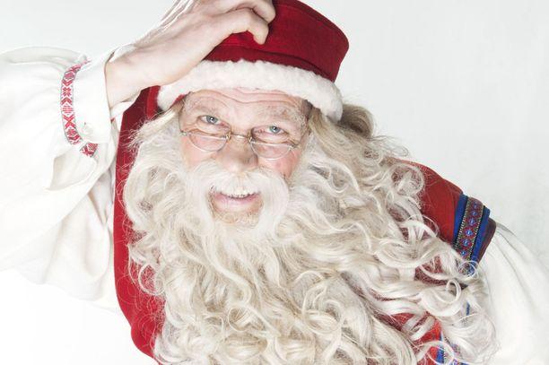 Joulupukin kanssa juttelemaan suoraan lähetykseen pääsee kolmisenkymmentä soittajaa.