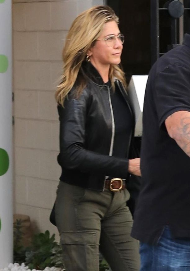 Jennifer Aniston on jo 49-vuotias.