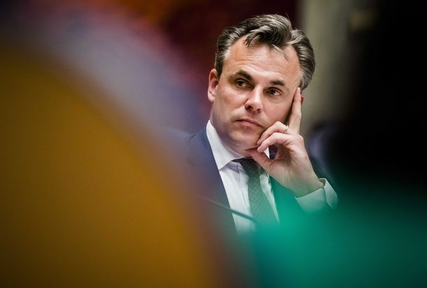 Mark Harbers edustaa Vapauden ja demokratian kansanpuoluetta (VVD).