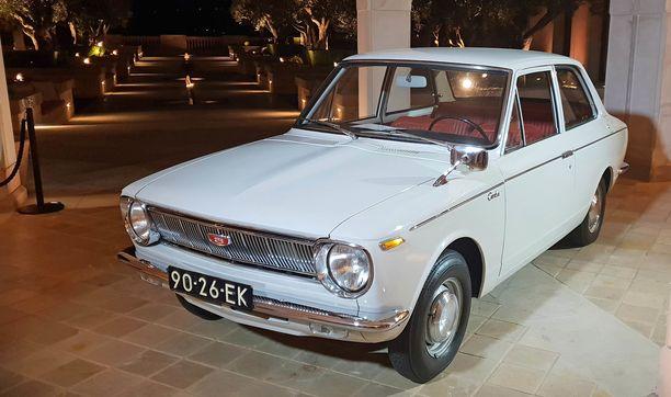 Se alkuperäinen Corolla vuosimallia 1966.
