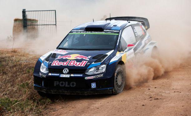Jari-Matti Latvala jäi rengasrikon takia kärkikamppailusta.