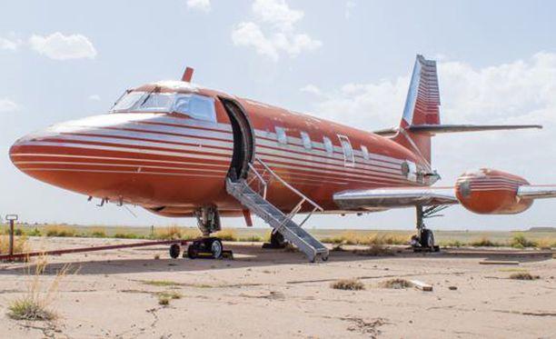 Kone on ruostunut New Mexicossa varastokentällä jo 36 vuotta.