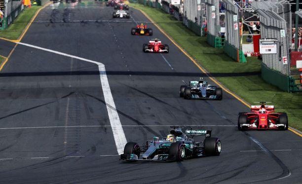 F1-ohituksien määrän pelätään putoavan reippaasti viime kaudesta.