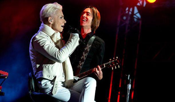 Roxetten viimeiseksi esiintymiseksi Suomessa jäi viime elokuun konsertti Vaasassa. Marie Fredriksson esiintyi istuen jalkaongelmiensa vuoksi.