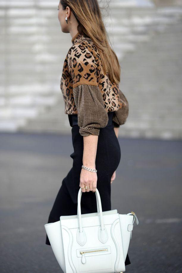 Celinen Luggage-laukkua näkee Helsinginkin katukuvassa - tosin tämä tyylinäyte on kuvattu Pariisin muotiviikolla.