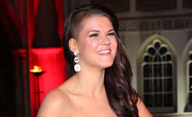 Saara Aallon menestys Britannian X Factorissa on huomioitu Suomi-palkinnolla.