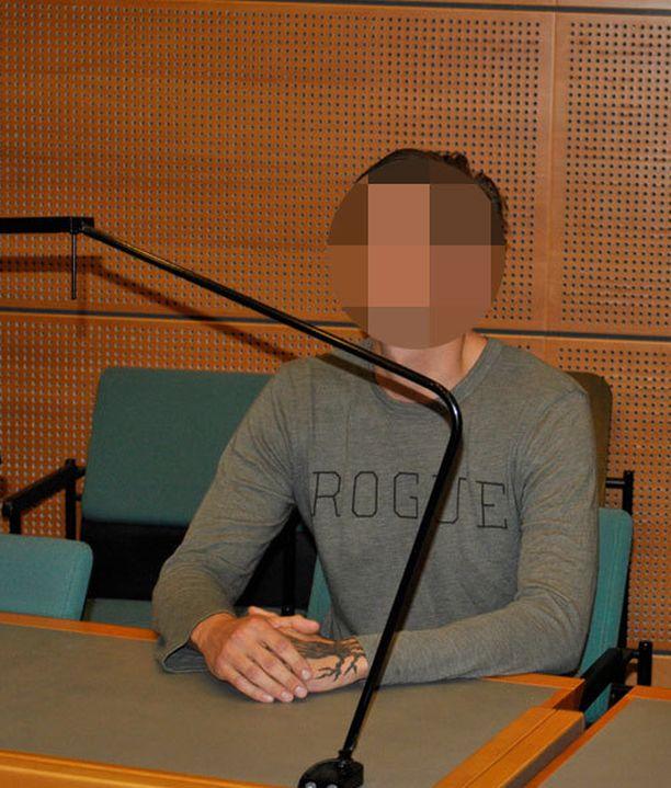 Poliisi esittää yhteensä viittä suomalaisepäiltyä vangituksi. Eilen käräjäoikeus päätti jo kahden ruotsalaismiehen vangitsemisesta.