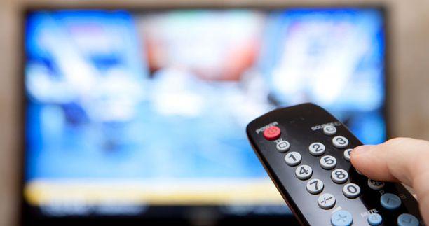 Kolme tv-kanavaa rikkoo mainosrajoituksia jatkuvasti, Viestintäviraston selvityksestä käy ilmi.