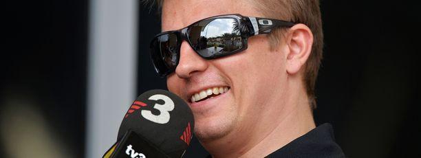 Kimi Räikkönen on kärkivauhdissa Bahrainin radalla.