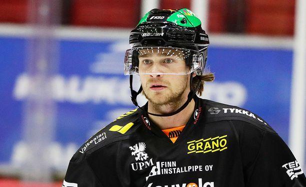 Eetu Pöysti pelasi lomalta palattuaan SaiPaa vastaan KooKoon riveissä. SaiPa voitti tapaninpäivän ottelun 3-2.