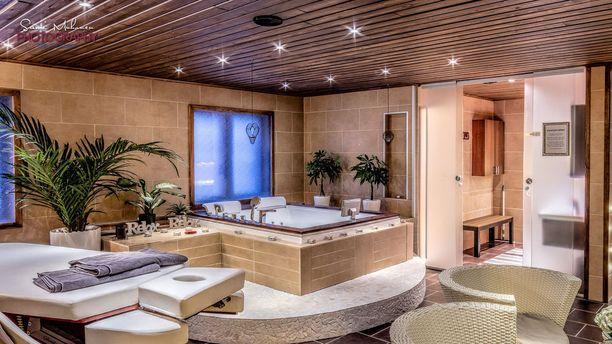 Suuri spa-osasto on yksi Aflechtin lempipaikoista kotona.