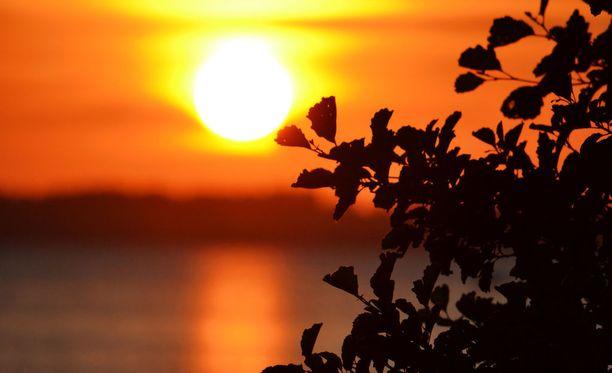 Pohjois-Lapissa aurinko ei laske horisontin alle yli 70 päivään.
