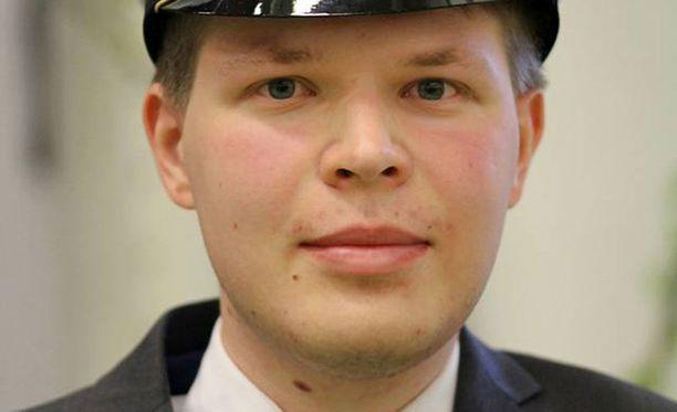 Tänä keväänä ylioppilaaksi kirjoittanut Santeri Ala-Röyskö oli koulussa kymmenen vuotta puhumatta.