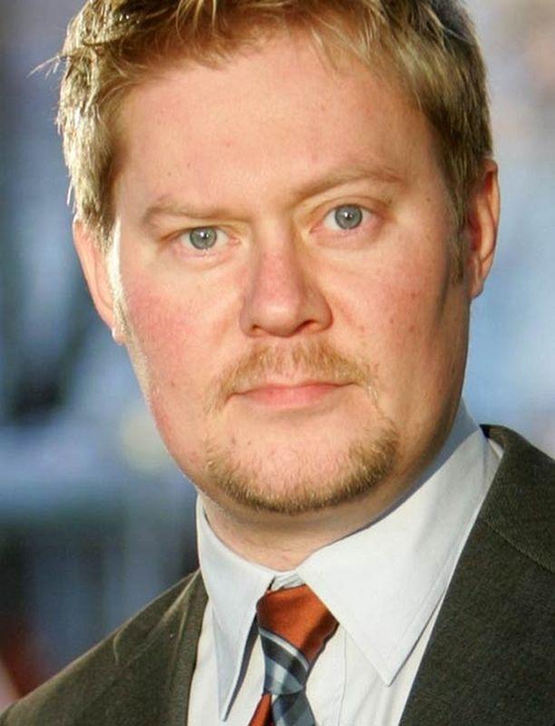 Kansanedustaja Pertti Salovaara jäi viikko sitten pois töistä.