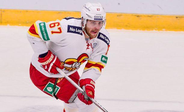 Jokerien Linus Omark johtaa KHL:n pudotuspelien pistepörssiä.
