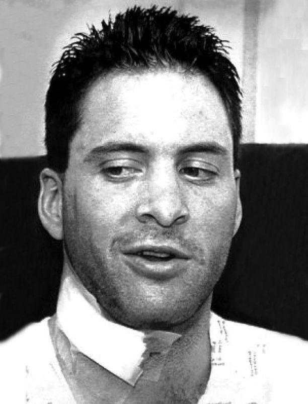 Clint Malarchuk selvisi 1989 vakavasta loukkaantumisesta nopeiden ensiaputoimien ansiosta.