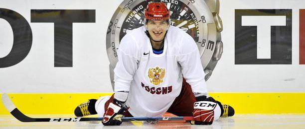 Aleksander Ovetshkin oli hyvällä tuulella Venäjän harjoituksissa lauantaina.