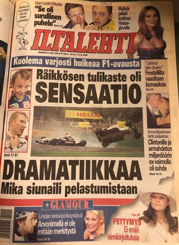 Kimi Räikkösen ensimmäinen F1-startti pääsi näyttävästi otsikoihin. Mukana menossa myös Mika Häkkinen.