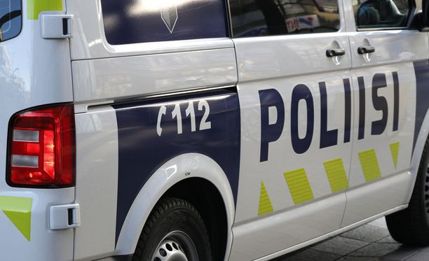 Peruutusharjoitukset johtivat poliisitehtävään sunnuntai-iltana Vantaalla. Kuvituskuva.