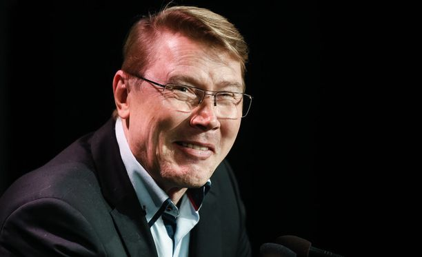 Mika Häkkinen teki tarinoillaan vaikutuksen Teemu Selänteeseen.