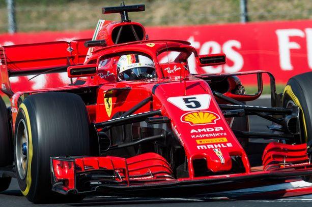 Sebastian Vettelin mukaan Ferrarin auto on viimevuotista voimakkaampi.