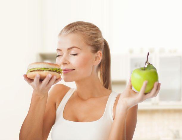 Kumpi tuoksuu paremmalta: hampurilainen vai omena?