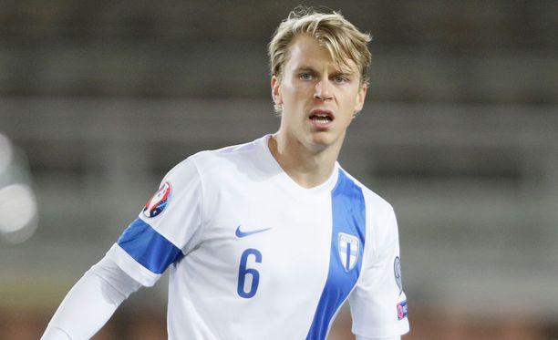 Rasmus Schüller joutuu pitkälle sairauslomalle.