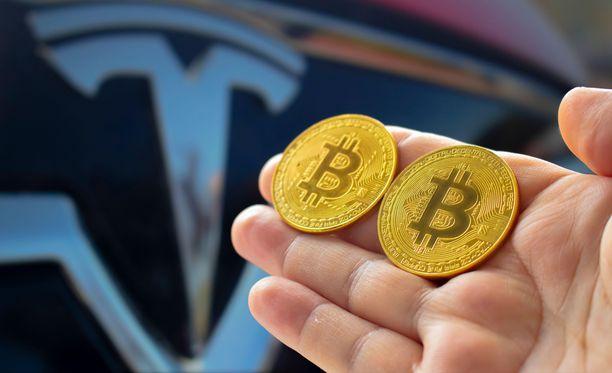 Bitcoin voi vielä tulevaisuudessa toimia maksuvälineenä Tesla-autoa hankkiessa.