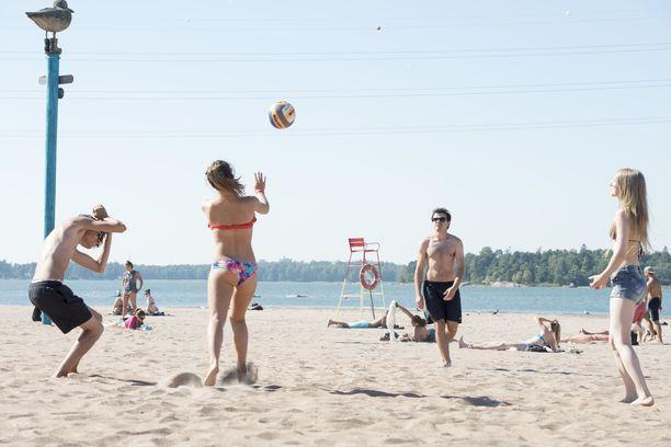 Suomen kautta aikojen kesäkuussa mitattu lämpöennätys on Ähtärissä vuonna 1935 mitattu 33,8 astetta.