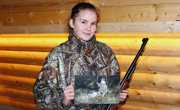 Metsästys on pyhärantalaiselle Iida Arvoselle, 13, se juttu. Sitä eivät kaikki koulukaverit tahdo ymmärtää.