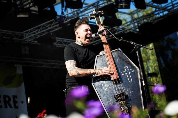 Nekromantix esiintyi lauantaina Virgin Oilissa. Kuva otettu yhtyeen keikalta Porista vuonna 2014.