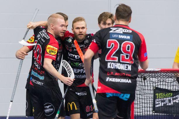 Happee tarjoaa apuaan poikkeuksellisen tilanteen keskellä. Kuva Suomen Cupin finaalista vuodelta 2019.
