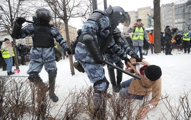 Lauantain mielenosoituksia järjestettiin yli sadassa kaupungissa.