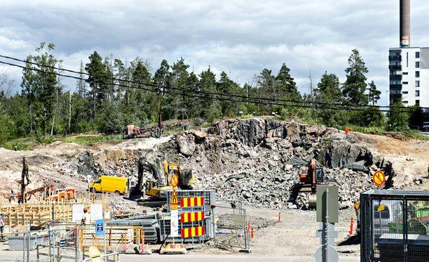 Räjähdys sattui työmaalla lähellä Espoon Isoa-Omenaa.