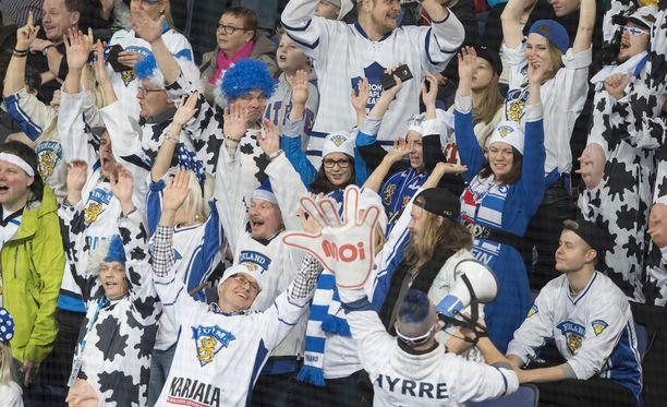 Leijonien fanit pitivät ääntä viime viikon Karjala-turnauksessa.