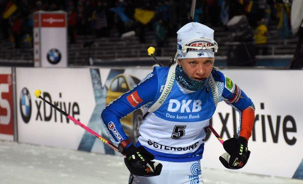 Kaisa Mäkäräinen hävisi latuajoissa kärkeen 15 sekuntia perjantaina Ruotsissa.
