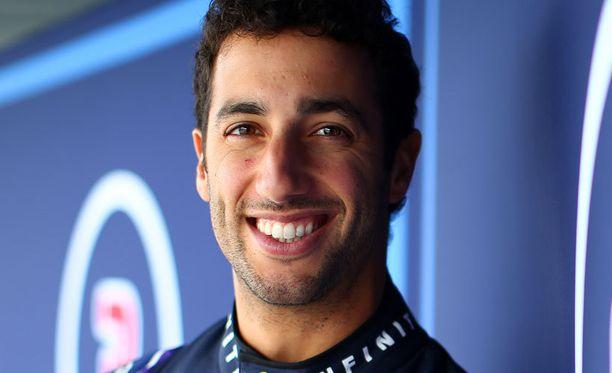 Daniel Ricciardo tykitti kärkiajan F1-kuskien leikkimielisessä mutta silti vähän totisessa kisassa.