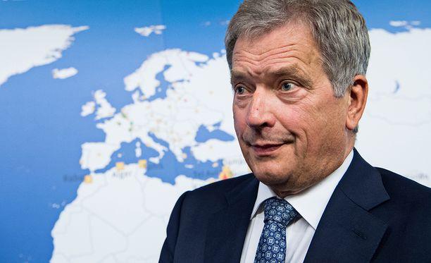 Juha Ristamäki kirjoittaa, että valistunut arvaus tässä vaiheessa on, että presidentti Sauli Niinistön ääniosuus ensimmäisellä kierroksella jää selvästi alle 50 prosentin.