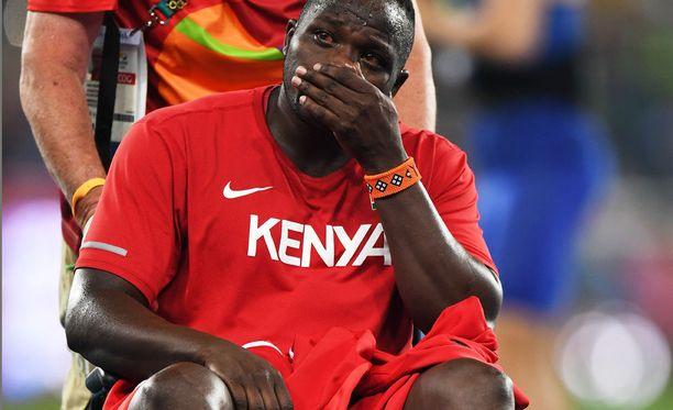 Julius Yego poistui pyörätuolilla Rion olympiafinaalista.