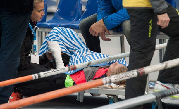 Erica Hjerpen käsi koki kovia dramaattisessa alastulossa.