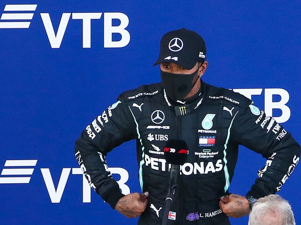Lewis Hamiltonin mielestä hänelle annettiin naurettava rangaistus.