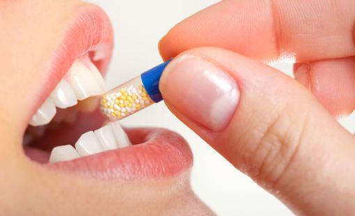 Antibioottikuuri on joskus välttämätön, mutta niitä syödään myös turhaan.