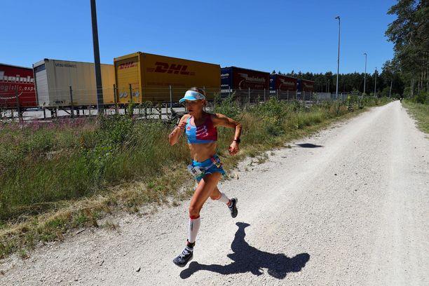 Kaisa Sali kilpaili Saksassa toissavuoden heinäkuussa. Tulevana kesänä hän suunnitteli lähtevänsä pyöräilyreissulle miehensä Markuksen kanssa, mutta kuntoutumisen vuoksi matka jää tekemättä.