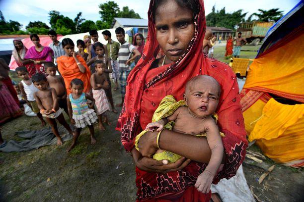 Milan Das on asunut lapsena itse pakolaisleirillä Intiassa, ja ollut myöhemmin leirillä myös töissä. Kuvituskuva pakolaisleiriltä Intiasta 2012.