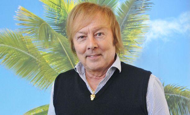 Danny toi kultaisella 1960-luvulla kansainvälisen showbisneksen Suomen tanssilavoille.