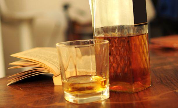 Avin mukaan viskistä saa puhua viskinä.